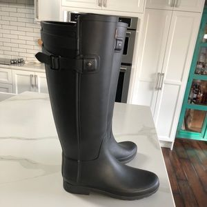 Like New Hunter Boots Size US 7